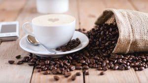 como tostar granos de café