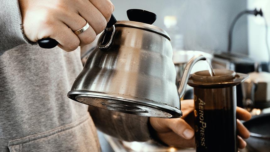 ¿Cómo hacer café con una Cafetera AeroPress?