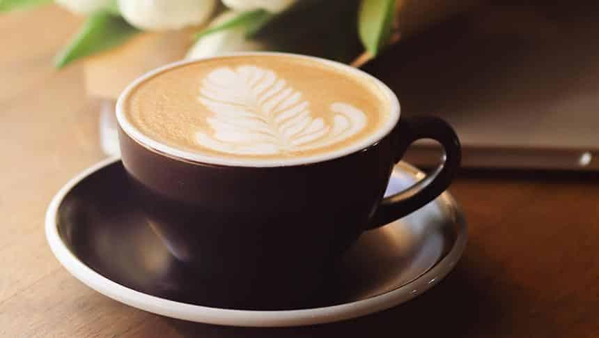 ¿Cuánta cafeína tiene un café?