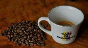 cafe en grano colombiano