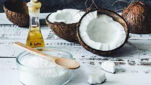 ¿Deberías tomar café con aceite de coco?